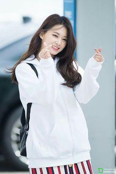 Twice - Tzuyu Nayeon, K Pop, Kpop Girl Groups, Korean Girl Groups, Kpop Girls, Asian Woman, Asian Girl, Twice Tzuyu, Chou Tzu Yu