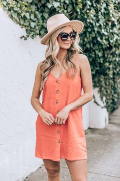Hawaii Outfits, Mom Outfits, Casual Outfits, Cute Outfits, Coral Colored Dresses, Coral Dress, Simple Summer Outfits, Summer Outfits Women, Key West Outfits