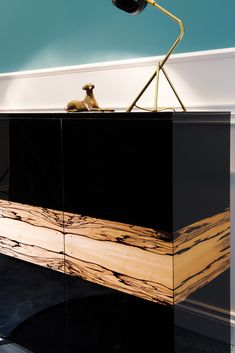 We are in love with the Contemporary Luxury Italian Cabinet, featuring the most striking of Albin wood detailing. Italian Buffet, Modern Buffet, Spain And Portugal, Entrance Hall, Furniture Collection, Luxury Furniture, Craftsman, Classic Style, Contemporary