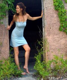 Organic Love Me 2 Times Simplicity Mini Dress (light hemp/organic cotton knit) - organic dress Barefoot Girls, Dancing Barefoot, Going Barefoot, Strapless Dress, Bodycon Dress, How To Make Skirt, Empire Style, Sexy Feet, Rock