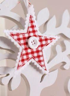 DIY Gingham Stars For Christmas Decor | Shelterness