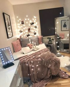 Cute Teen Bedroom Designs Ideas - Teen bedroom design can be challenging but can also have it's rewards. Whether you have a girl or boy, teenagers are busy exploring their own way in t. Cool Teen Bedrooms, Teen Bedroom Designs, Beautiful Bedrooms, Girl Bedrooms, Small Bedroom Ideas For Teens, Teen Rooms, Teenage Room, Design Bedroom, Small Room Bedroom