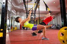ocê já ouviu falar de Crossfit? E treinamento funcional? Muita gente até confunde ambos os exercícios, mas fique sabendo que existe uma diferença entre eles. venham saber quais são!