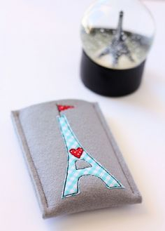 Eiffel Tower Smartphone Cover Tutorial at A Spoonful of Sugar
