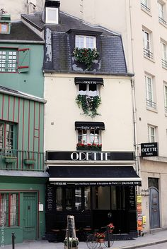 Odette, a patisserie in Paris...try the cream puffs!