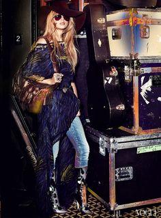T Swift looks very Stevie Nicks in her @Vogue debut, no? #RodarteForTheWin