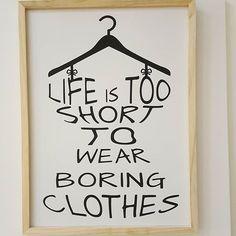Hafta sonu geliyor dışarı çıkarken sıkıcı kıyafetler giymeyin. Duvar panosu 40x30cm fiyatı 50TL.  #lifeis❤ #love #fashion #fashionaddict #onlineshopping