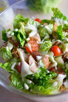 Caprese Salad, Cobb Salad, Up Halloween, Seaweed Salad, Tasty Dishes, Salad Recipes, Salads, Chicken, Cooking