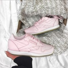 Reebok Classic Face Womens Trainers in Pink 3bccb161b