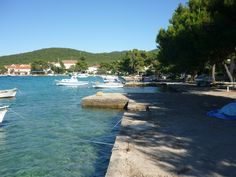 A travel guide to Croatia's Peljesac Peninsula, a stunning landscape which is one hour's drive north of Dubrovnik. Tips include where to stay, what to do and how to get there. Croatia Itinerary, Croatia Travel Guide, Travel Guides, Travel Tips, Stuff To Do, Things To Do, Dubrovnik, Landscape, Beach