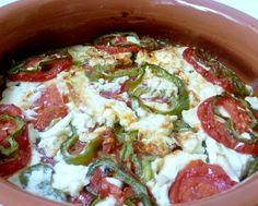 grEAT: bouyiourdì (feta al forno con pomodori)