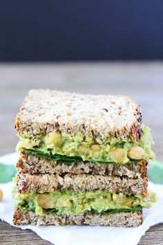 Smashed Chickpea, Avocado, and Pesto Salad Sandwich by twopeasandtheirpod #Sandwich #Chickpeas #Avocado #Pesto #Healthy