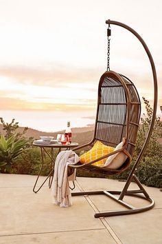 Looking for creative reading chair products? Check out this hanging reading chair for a stylish outdoor book nook. Diy Hammock, Hammock Chair, Swinging Chair, Hammock Ideas, Hammocks, Cozy Backyard, Outdoor Furniture, Outdoor Decor, Outdoor Seating