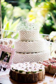 festa aniversario 2 anos para menina, tema fazendinha, bolo falso (isopor encapado com tecido)