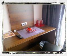 room3 Art Rooms, Bed And Breakfast, Floating Nightstand, Corner Desk, Furniture, Home Decor, Floating Headboard, Corner Table, Decoration Home