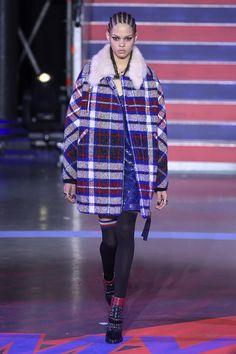 Tommy Hilfiger Fall 2017 Ready-to-Wear Fashion Show - Hiandra Martinez