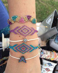 www.takiperest.com Bead Loom Bracelets, Ankle Bracelets, Brick Stitch, Loom Beading, Seed Beads, Macrame, Beaded Jewelry, Weaving, Jewelry Making