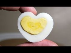 How to Make a Heart Shaped Egg - Valentines Day: How to make a heart shaped hard boiled egg. Perfect for Valentines Day. Simple guide and easy to do. Egg Hacks, Food Hacks, Valentines Food, Boiled Eggs, Hard Boiled, No Bake Pies, Food 52, Food Kids, Creative Food