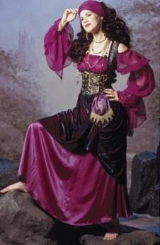 Renaissance Clothing for Women | ... clothing pieces and left out the purse and head wrap. Because, I got