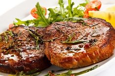 You don't have to be a great cook to cook a great steak. Here are instructions for how to get it right every time. Be sure to choose a steak that is Paleo Chicken Salad, Fried Chicken Recipes, Cookbook Recipes, Meat Recipes, Cooking Recipes, Meat Steak, How To Grill Steak, Spareribs, Pork Chops