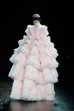 Alexander McQueen 2012AWコレクション Gallery32 - ファッションプレス - via http://bit.ly/epinner