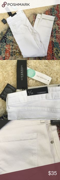"""Stitchfix Liverpool white skinny high rise 30x31 Beautiful brand new white """"Abby"""" high rise skinny jeans from stitch fix Liverpool. Size 6/28 measures 30 inches at the waist and 31 inch inseam(unrolled) rise of 9.5 inches, small pin stain on the back pocket, these have never been worn/washed so it's possible it can wash out. Otherwise great condition made of 98% cotton and 2% spandex Stitch Fix Jeans Skinny"""