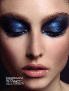 Dynamic Eyeshadow Editorials