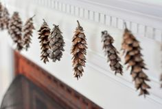 easy & cute - How_to_make_pinecone_garland