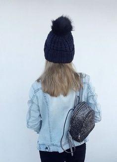 Kup mój przedmiot na #vintedpl http://www.vinted.pl/damska-odziez/kurtki/15867439-jasno-jeansowa-kurtka-rozmiar-m-lub-oversize-amisu-new-yorker