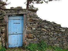 Beautiful Doors in Italy | Beautiful door in Cinque Terre - Cinque Terre, Italy