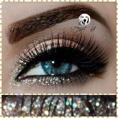 Eye Look www.angieyartstyle.com #eye #look #glitter #eyelashes #natural #eyeliner