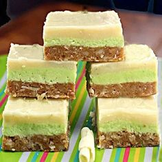 Key Lime White Chocolate Nanaimo Bars with the most amazing coconut macadamia graham cracker crust! Key Lime White Chocolate Nanaimo Bars with the most amazing coconut macadamia graham cracker crust! Low Carb Protein Bars, Protein Bar Recipes, Raw Food Recipes, Dessert Recipes, Cooking Recipes, Dessert Ideas, Yummy Recipes, Cake Recipes, Graham Cracker Crust