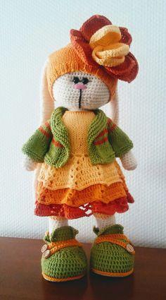 Crochet Dolls Free Patterns, Crochet Doll Pattern, Amigurumi Patterns, Amigurumi Doll, Doll Patterns, Crochet Crafts, Crochet Projects, Crochet Rabbit, Knitted Animals