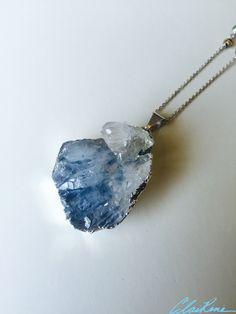 #necklace #handmadenecklace #handmadejewelry #jewelry #druzy #druzynecklace #druzypendant #bluedruzy #silver #sterlingsilver #goldpyrite #pyrite #labradorite