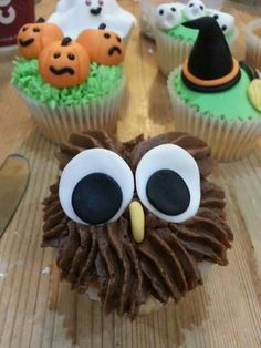Owl cup cake
