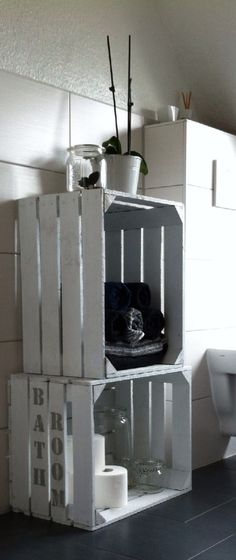 Badmöbel aus zwei Holzkisten zum aufbewahren von Handtüchern, passt auch in kleine Badezimmer