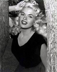 """Vintage Jayne 1950's ...I always thought she was much prettier the Marilyn Monroe - she does look like the proverbial """"Bombshell"""""""