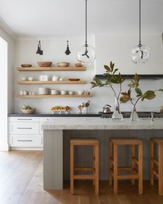 : minimalist kitchen design with modern white cabinets and modern kitchen open s. : minimalist kitchen design with modern white cabinets and modern kitchen open shelves, scandinavia Home Decor Kitchen, New Kitchen, Home Kitchens, Kitchen Ideas, Boho Kitchen, Modern Open Kitchens, Beautiful Kitchens, Neutral Kitchen, Rustic Kitchens