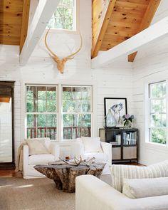 Jurnal de design interior - Amenajări interioare : Amenajare în alb într-o cabană din Ohio, SUA