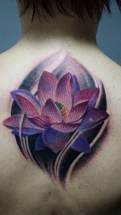 Tatuaje de flor de loto para hombre Lotus Tattoo Design, Purple Lotus Tattoo, Purple Tattoos, Flower Tattoo Designs, Lila Tattoos, Water Lily Tattoos, Body Art Tattoos, Small Tattoos, Sleeve Tattoos