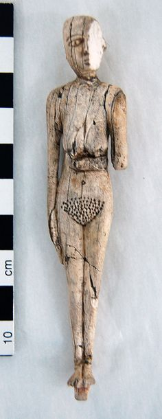 Culture/period: Naqada I, ancient Egypt. Female figure in carved bone, at Clare Thompson Museum. Ancient Artifacts, Ancient Egypt, Ancient History, Ancient Goddesses, Bone Carving, Egyptian Art, Tribal Art, Archaeology, Sculpture Art