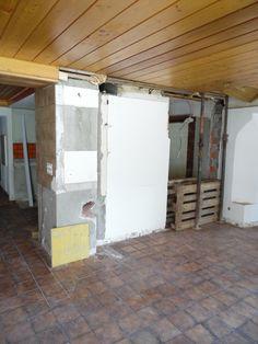 4. Juni 2015 - Auch im mittleren Teil des Restaurants wurden Wände eingerissen um den Raum hell und freundlich zu gestalten. Kommende Woche wird die Decke entfernt sowie die Vorbereitungsarbeiten für die künftige Feuerstelle aufbereitet.