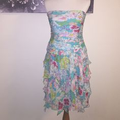 Kay Unger New York Silk Dress 8 Stunning This dress is a master piece! The construction is amazing as you would expect for a garment of this caliber.  Silk EUC strapless - perfect for a spring wedding or that cruise coming up! Please ask questions. Kay Unger Dresses Strapless