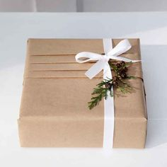 How to wrap like a pro with gift wrap guru Jane Means. Click through to discover…