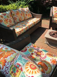 {+ Tips to Make Your Own! Outdoor Chair Cushions Diy, Recover Patio Cushions, Patio Cushion Covers, Patio Furniture Cushions, Diy Outdoor Furniture, Outdoor Chairs, Outdoor Couch Cushions, Patio Chairs, Seat Cushions