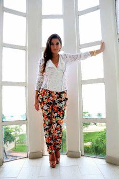 Calça Estampada e Regata de seda: Madê Blog Muda o Figurino