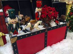 Maybe it is the effect of old movies; this Trunk of Traditional Toys says Christmas to me. But it is pure Visual Merchandising, and while I would stop to admire, I would enter the store to purchase. Toy Trunk, Traditional Toys, Gift Wrapping Services, Craft Show Ideas, Christmas Toys, Old Movies, Visual Merchandising, Gift Bags, Luxury Branding