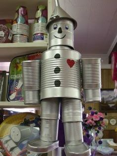 """Use cans to make """"The Tin Man"""" - people Aluminum Can Crafts, Tin Can Crafts, Aluminum Cans, Metal Crafts, Tin Can Man, Tin Man, Recycled Metal Art, Recycled Crafts, Recycled Robot"""