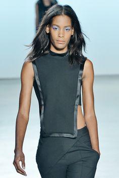A contrast trim formalised the simple bib top @SALLY_LAPOINTE this season #NYFW