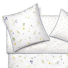Schlossberg LUCY bed linen, Bettwäsche on pacificohome. Bed Linen, Linen Bedding, Fashion Illustrations, Bunt, Bed Pillows, Pillow Cases, Bed N Bath, Bed Linens, Linen Sheets